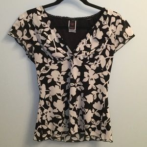 Wrapper/ XLarge Cute Black & White Blouse